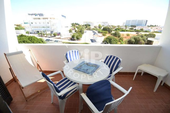 2 bed apartment for sale in Albufeira, Portugal