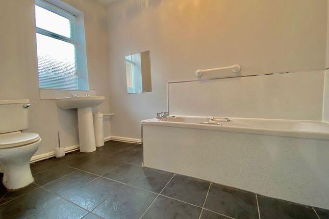 Bathroom of Saltwell View, Saltwell, Gateshead, Tyne & Wear NE8