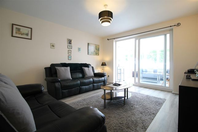 Living Room of Britannia Avenue, Basford, Nottingham NG6
