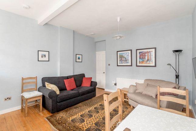 Thumbnail Flat to rent in Tron Square, Edinburgh