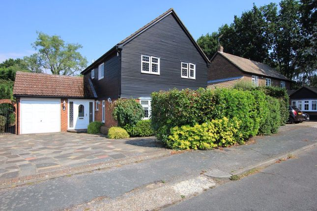 4 bed flat to rent in Broome Road, Billericay CM11