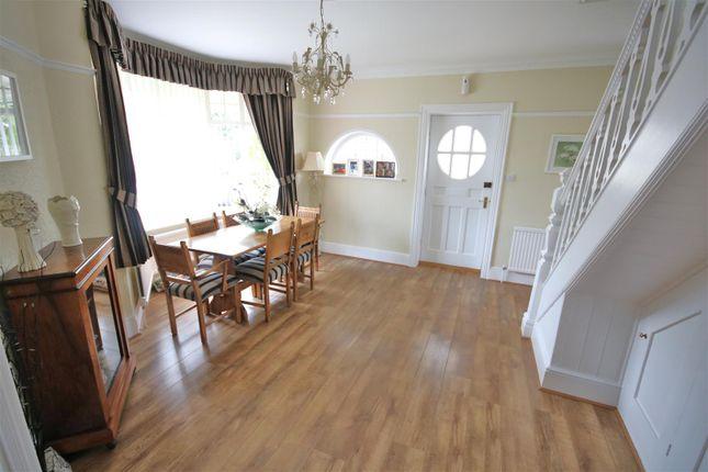 Entrance Hall/Dining Room