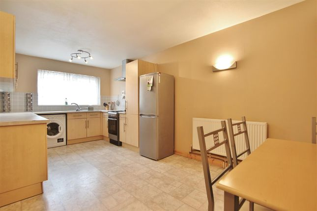 Thumbnail Property to rent in Stanborough Road, Hounslow
