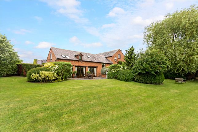 Thumbnail Barn conversion for sale in Chesterton Road, Lighthorne, Warwick