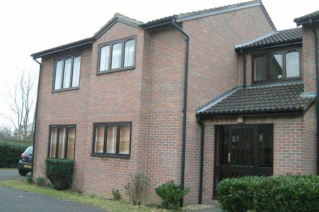 Thumbnail Flat to rent in Glenville Close, Royal Wootton Bassett, Swindon