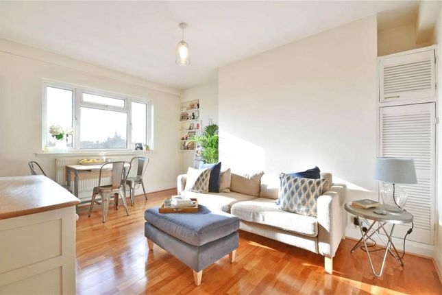 1 bed flat for sale in Embassy House, Cleve Road