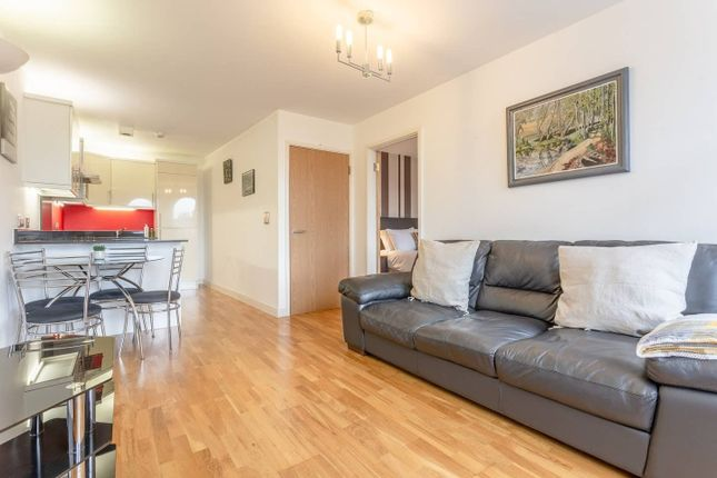 Thumbnail Flat to rent in Cumberland Road, London