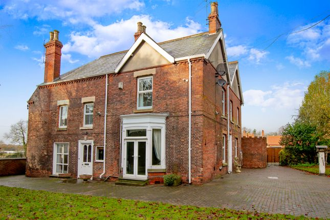 Thumbnail Detached house for sale in London Road, Retford