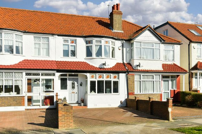 Picture No. 01 of Largewood Avenue, Tolworth, Surbiton KT6