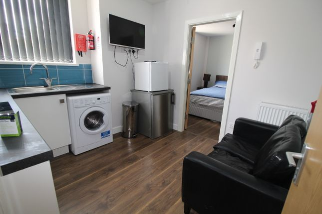 Thumbnail Flat to rent in Hawkins Street 50/53, Preston