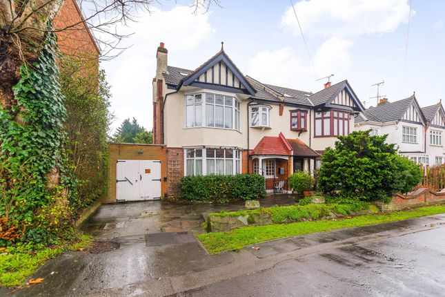 Thumbnail Property to rent in Endlebury Road, Chingford
