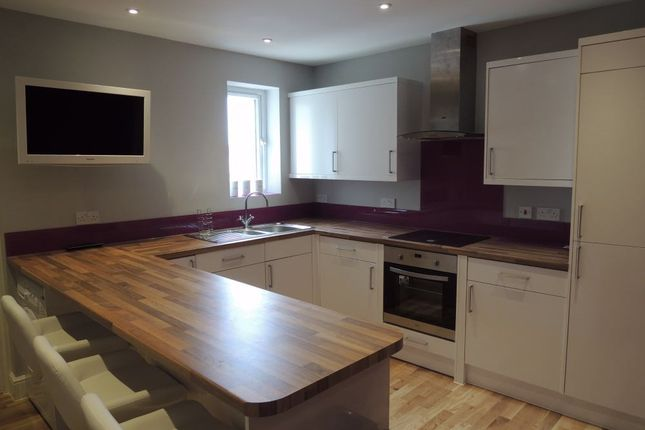 Thumbnail Flat to rent in Barrack Street, Colchester