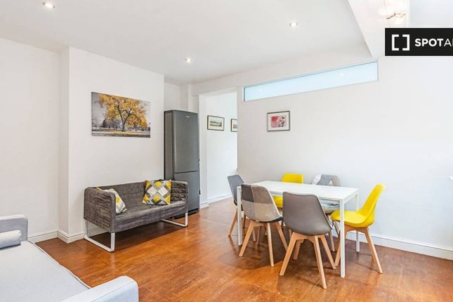 Thumbnail 3 bed property to rent in Stanlake Road, London