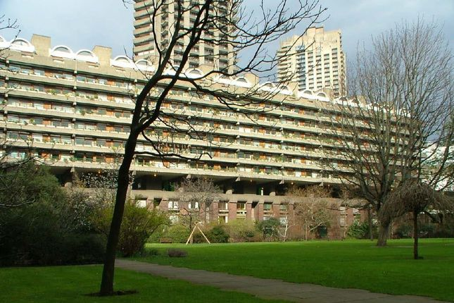 Thumbnail Flat to rent in Defoe House, Barbican, London
