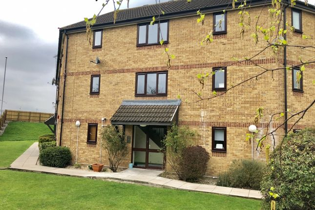 1 bed flat to rent in Messant Close, Harold Wood, Romford