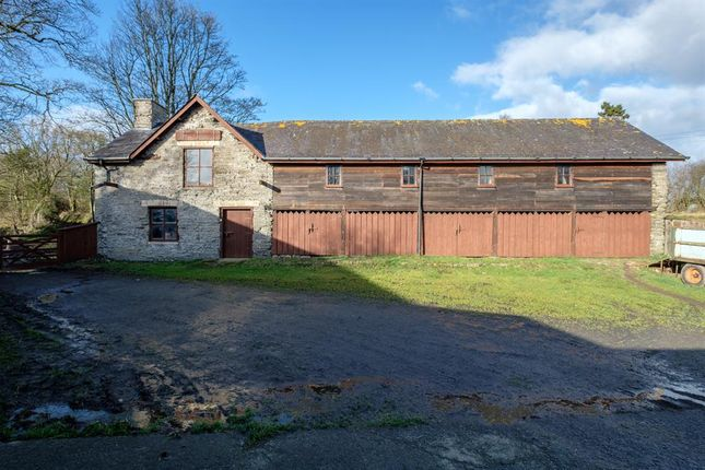 Thumbnail Farmhouse for sale in Lower Cefn, Penarth, Crossgates, Llandrindod Wells