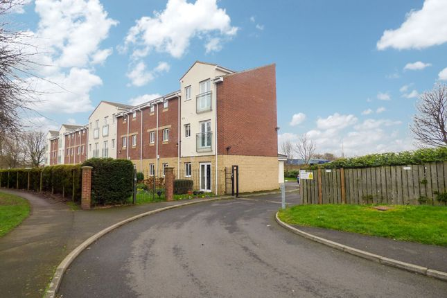 Thumbnail Flat to rent in Cromwell Court, Blyth