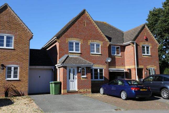 Thumbnail Semi-detached house to rent in Watersmeet, Fareham