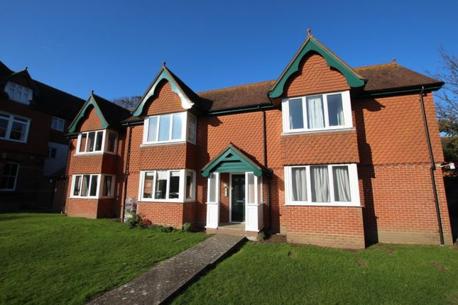 2 bed flat to rent in Greentrees, Lansdowne Road BN11