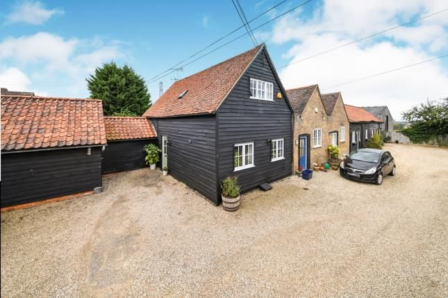 Thumbnail Barn conversion for sale in Epping, Essex
