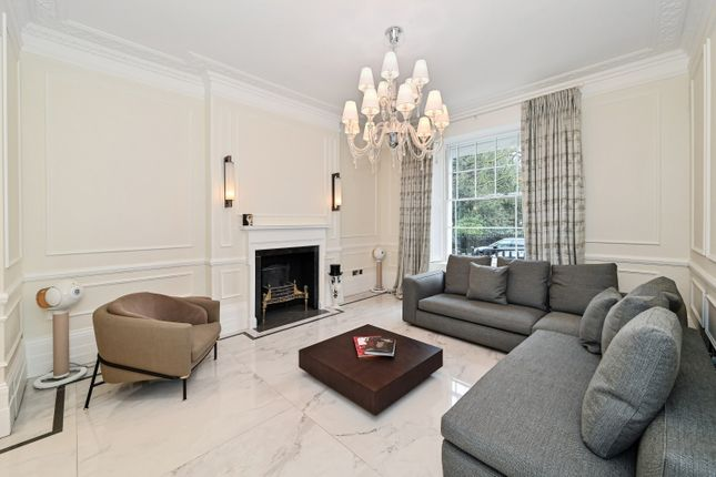 Terraced house to rent in Thurloe Square, South Kensington