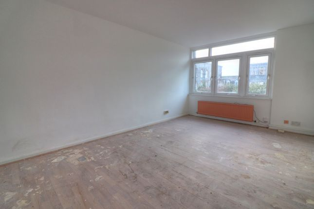 Living Room of Gallowgate, Aberdeen AB25