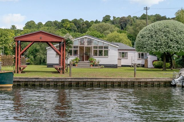 Thumbnail Detached bungalow for sale in Syringa, Rod Eyot, Henley On Thames