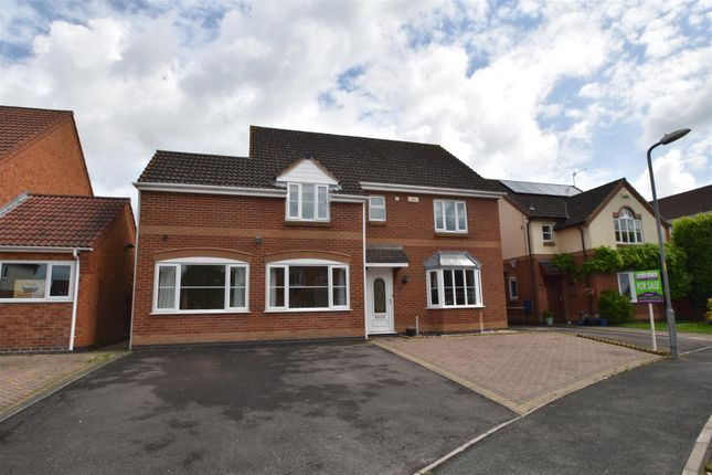 4 bed detached house for sale in Mandalay Drive, Norton, Worcester