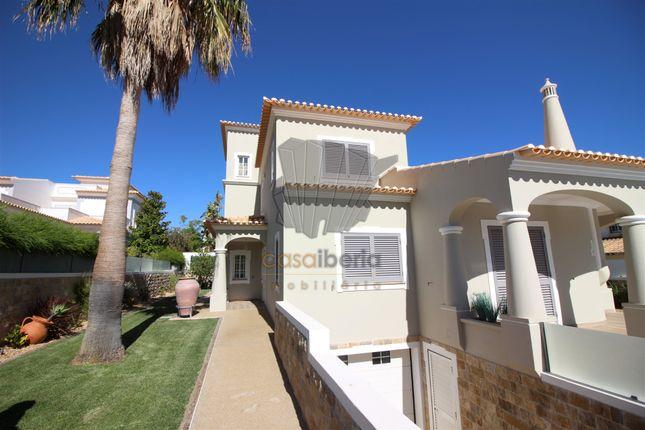 3 bed villa for sale in Sesmarias, Albufeira, Albufeira Algarve