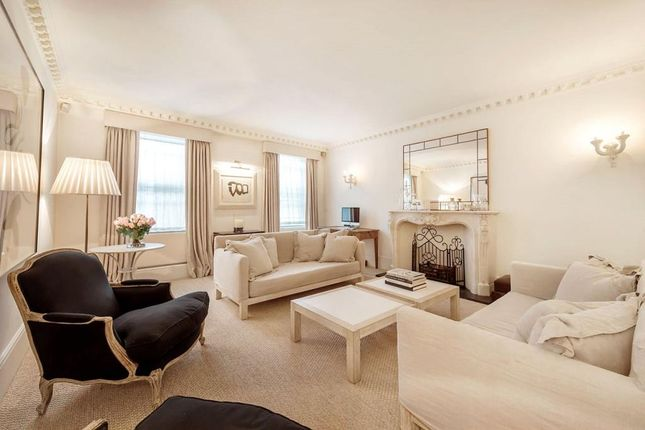 Thumbnail Flat for sale in Chester Square, Belgravia