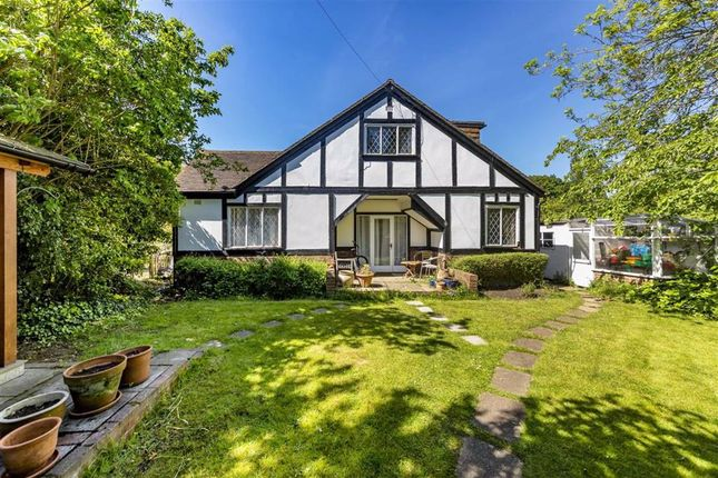 Thumbnail Property for sale in River Bank, West Molesey