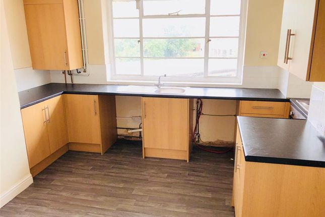 Thumbnail Flat to rent in Brown Avenue, Mansfield Woodhouse, Mansfield