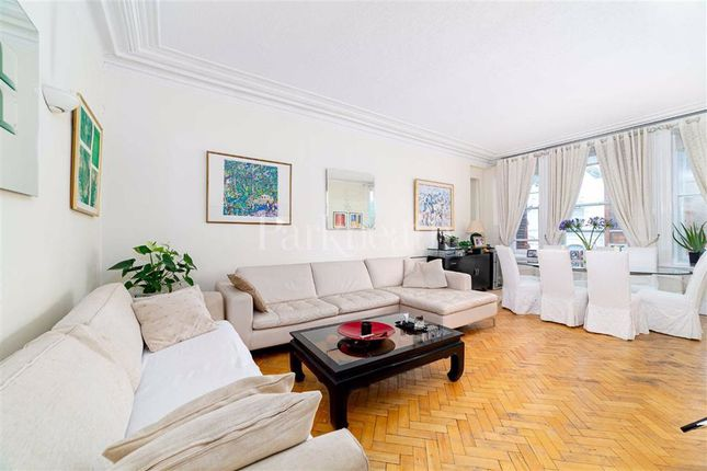 Thumbnail Flat for sale in Canfield Gardens, London