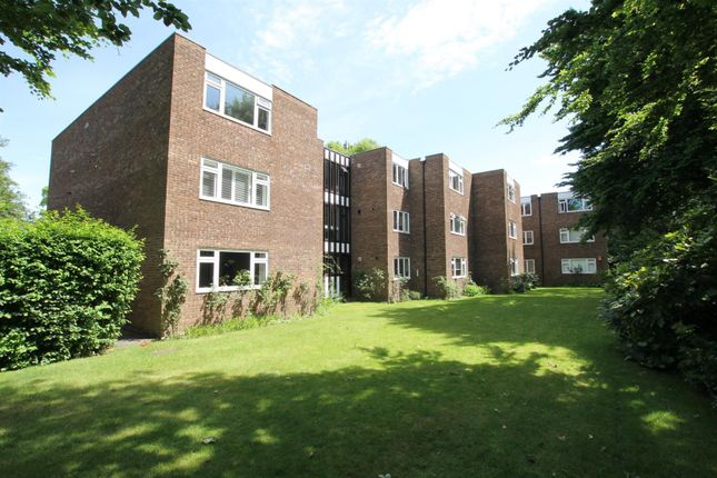 2 bed flat for sale in Ashley Road, Walton-On-Thames