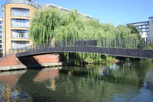 Thumbnail Flat to rent in Crane Wharf, Reading