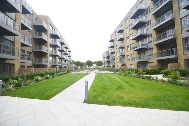Thumbnail Flat for sale in Lang Court, Smithfield Square, Hornsey