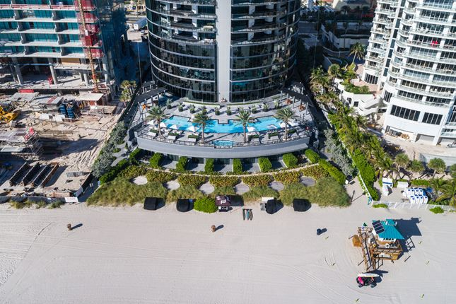 Porsche Design Tower In Miami - Aerial View Of Beachside Pool