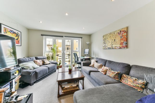 Thumbnail Terraced house to rent in Balmoral Court, Merrow Street, Walworth