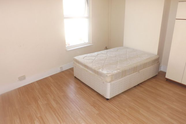 Thumbnail End terrace house to rent in St. Vincent Road, Southsea
