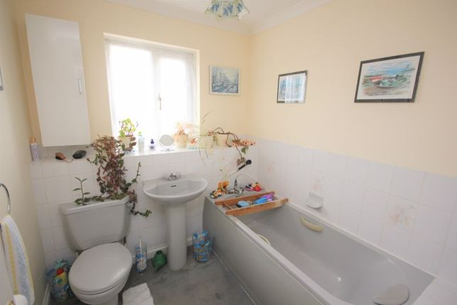 Family Bathroom of Thistle Close, Woolwell, Plymouth PL6