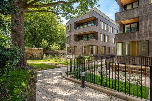 3 bed flat for sale in Wyles House, Prodigal Square, Hackney Gardens, London E8