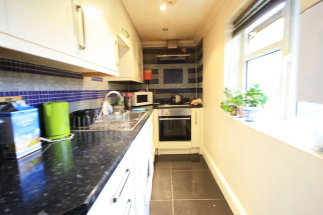 Thumbnail Flat to rent in Grevney Rd, Tooting