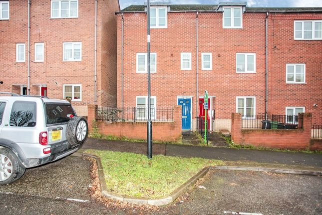 Thumbnail Property to rent in Spruce Road, Nuneaton