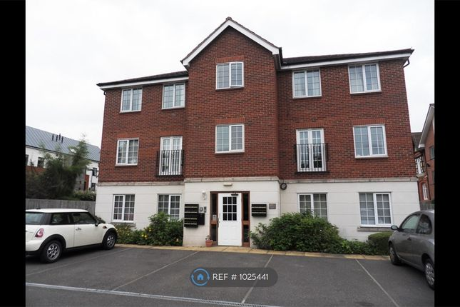 3 bed flat to rent in Cherry Croft, Loughborough LE11