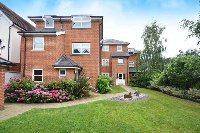 Thumbnail Flat for sale in Stoke Road, Guildford