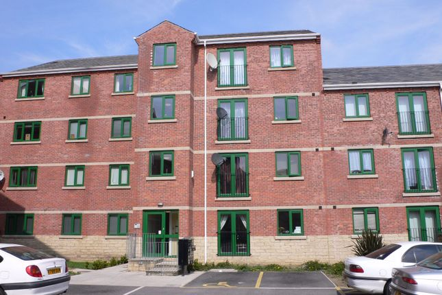 Thumbnail Flat to rent in Dewsbury Road, Beeston, Leeds, West Yorkshire