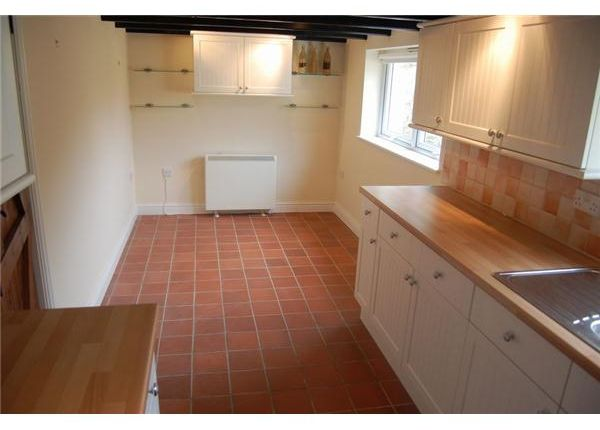 8 The Square, Pentewan Kitchen