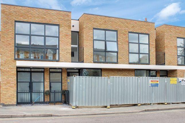 Photo 3 of Crossway, London N16