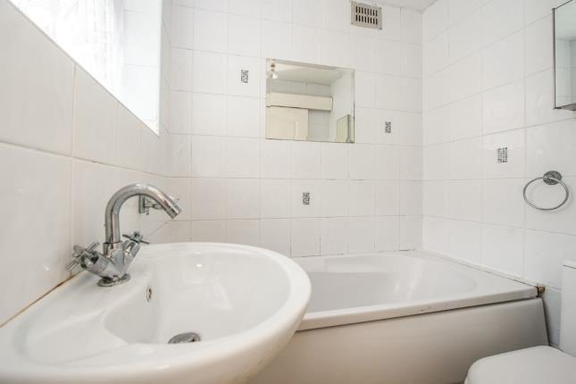 Bathroom of Lind Street, Liverpool, Merseyside L4