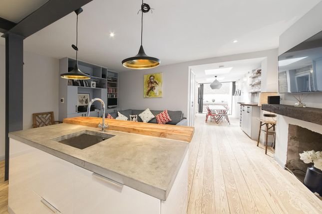 Thumbnail Flat to rent in Westbourne Park Road, Notting Hill, London